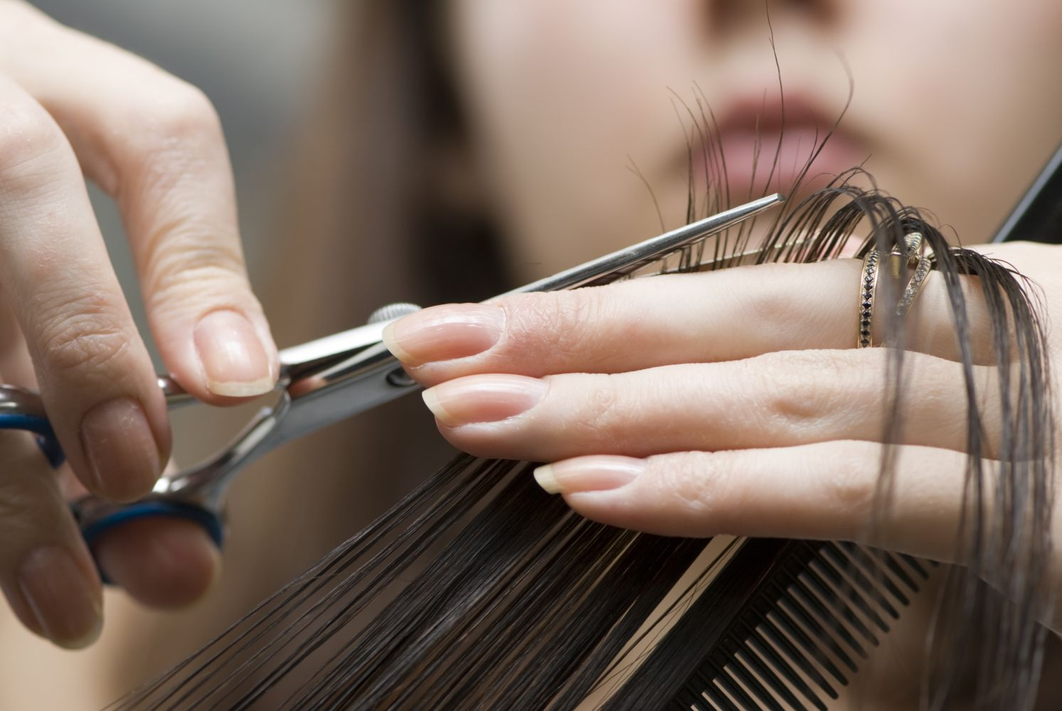 Maintaining your professional hair scissors